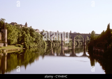 Albi,Unesco World Heritage Site Old Bridge,Pont vieux,Tarn River,July-2002 Digital Slide Conversions,Tarn-Et-Garonne,SW - Stock Photo