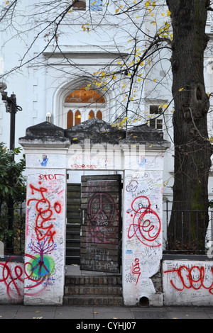 Messages on wall outside Abbey Road Studio, London. Made famous by The Beatles Abbey Road album. - Stock Photo