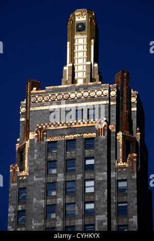 Gold leaf topped Carbon & Carbide Building, Chicago, Illinois, America - Stock Photo