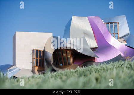 Hotel designed by frank gehry marques de riscal winery for Hotel el ciego marques de riscal