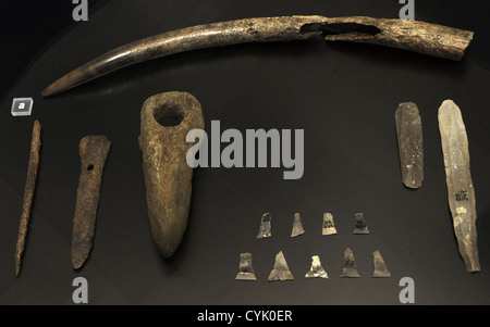 Funerary trappings of a man's grave. Early Neolithic Period. 3800 BC. From Dragsholm, western Zealand. - Stock Photo