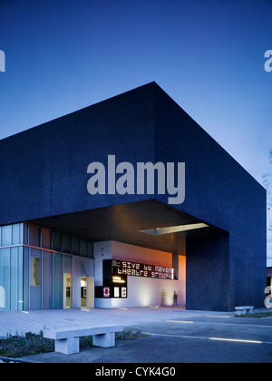 Solstice Arts Centre, Navan, Ireland. Architect: Grafton Architects, 2006. View of entrance showing glazed lower - Stock Photo