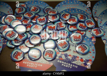 Republican Party buttons distributed at the American Center in Jerusalem as Americans assemble to monitor real-time - Stock Photo