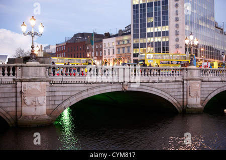 view of the oconnell bridge over the river liffey dublin republic of ireland - Stock Photo