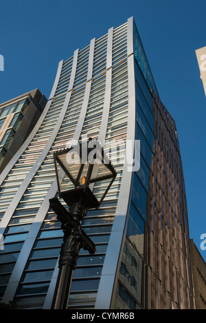 V88 Building (formerly known as the DeBeers Building) in Ginza, Tokyo, Japan - Stock Photo