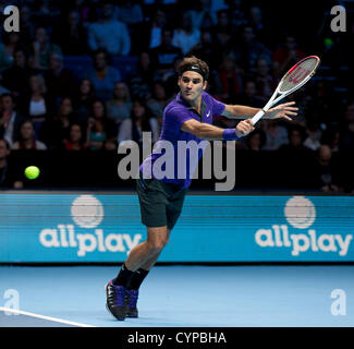 08.11.2012 London, England.  Roger Federer (SUI) in action against David Ferrer (ESP) during the Barclays ATP World - Stock Photo