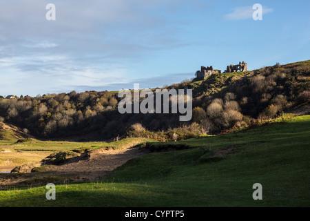 Pennard Castle overlooking Pennard Pill and Threecliff bay near Parkmill on the Gower Peninsular. - Stock Photo