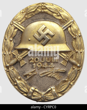 A Wound Badge '20 July 1944' in Gold, maker's mark '2' by Juncker in Berlin Silver, partially gilded. Reverse with - Stock Photo