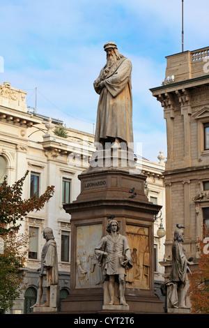 The Leonardo da Vinci statue in Piazza Della Scala in autumn, Milan, Italy, Europe. - Stock Photo