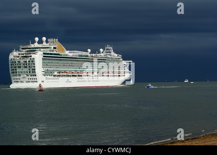 P&O Cruise Ship Azura Leaving Southampton, Hampshire, UK - Stock Photo