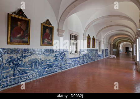 Portuguese azulejo tiles red and white gorgeous seamless patterns stock vector art - Faience corridor ...