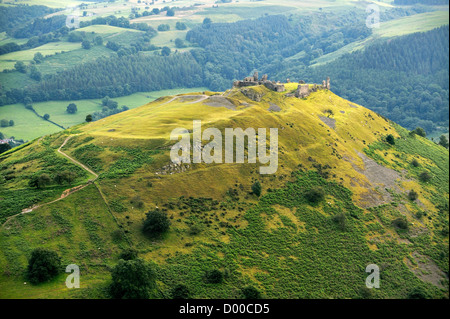 Castell Dinas Bran, Llangollen, Denbighshire, Wales. On an Iron Age site, the stone castle dates from 13 C. Looking - Stock Photo