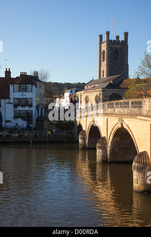 Henley Bridge crossing the River Thames, Church of St Mary in background, Henley on Thames, Oxfordshire, England, - Stock Photo