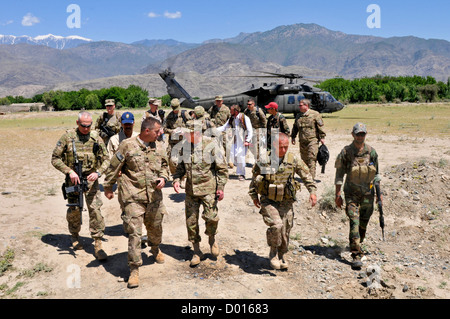 Gen. David H. Petraeus, commander of NATO and International Security Assistance Force troops in Afghanistan, visits - Stock Photo