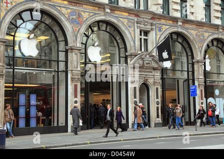 Apple store in Regent Street London - Stock Photo