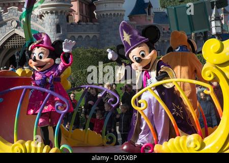 Disneyland Parade with Mickey and Minnie Mouse on a float, Disneyland Paris (euro disney) - Stock Photo