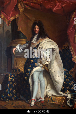 PORTRAIT LOUIS XIV (1638-1715) KING FRANCE IN CORONATION COSTUME FRAME COAT ARMS FRANCE NAVARRE PAINTING FROM 1867 - Stock Photo