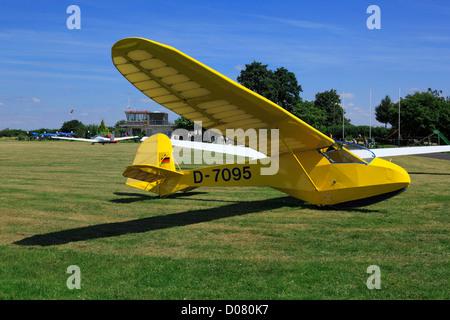 D-Krefeld, Rhine, Lower Rhine, Rhineland, North Rhine-Westphalia, NRW, D-Krefeld-Traar, airfield Krefeld-Egelsberg, - Stock Photo