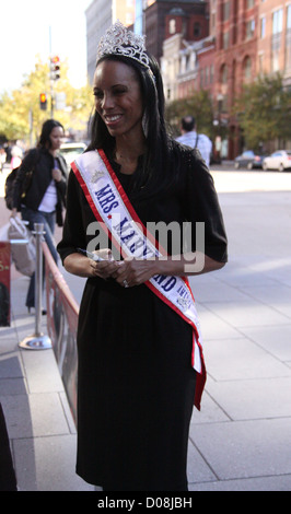 Mrs Maryland America 2010 Raquel Riley Thomas meets and greets fans outside Madame Tussauds Washington D.C Washington - Stock Photo