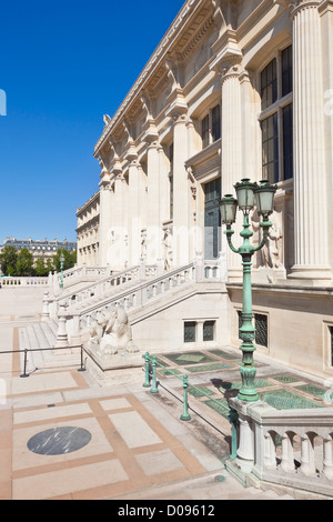Palais de Justice Rue de Harley Ille de la Cite Paris France EU Europe - Stock Photo