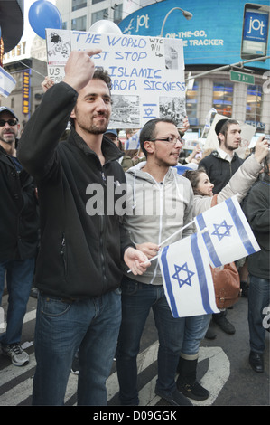 Pro-Israel demonstrators at 42nd St. in Manhattan protest Palestinian rocket attacks on Israel, Nov.18, 2012. - Stock Photo