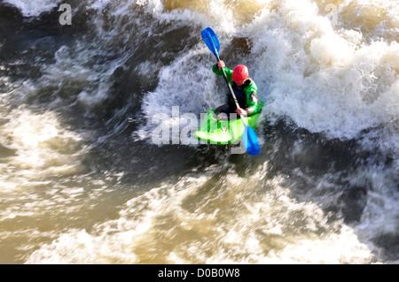 Kayaking on the Thames - Mill end weir - Hambleden - Bucks - bright sunlight - Stock Photo