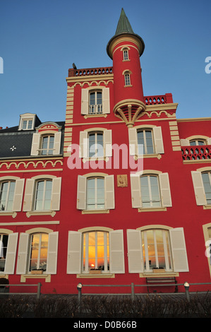HOTEL RESTAURANT LES TOURELLES ECOTOURISM LE CROTOY BAY OF SOMME SOMME (80) FRANCE - Stock Photo