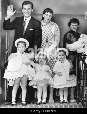 PAT BOONE with wife Shirley and family in 1958 after birth of their fourth daughter. See Description below - Stock Photo