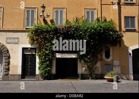 italy, rome, piazza di pietra, salotto 42 cafe - Stock Photo