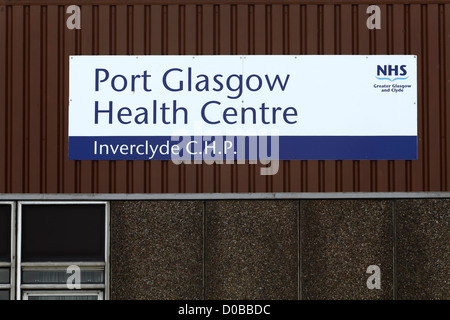 An NHS sign on Port Glasgow Health Centre (Inverclyde Community Health Partnership) Scotland, UK - Stock Photo