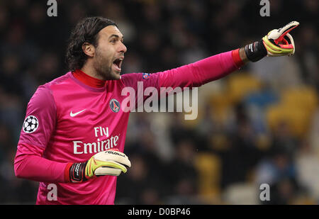21.11.2012 Kiev, Ukraine. Salvatore Sirigu of PSG during their UEFA Champions League, Group stage (Group A) soccer - Stock Photo