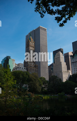 The Sherry-Netherland hotel and GM building from Central park, New York - Stock Photo