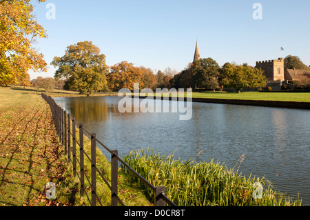 Broughton Castle moat, Oxfordshire, UK - Stock Photo