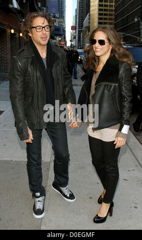 Robert Downey Jr and Susan Downey Jr Celebrities outside The Ed Sullivan Theater for 'The Late Show with David Letterman' - Stock Photo
