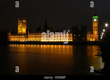 Night shot of Houses of Parliament and Big Ben - Stock Photo