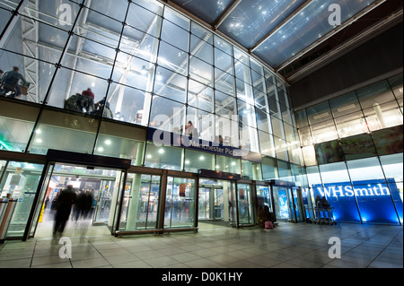 Inside Manchester Piccadilly railway station. - Stock Photo