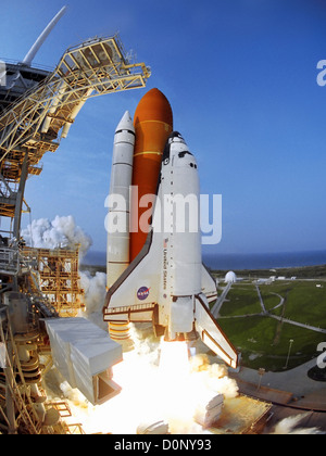 Liftoff of Shuttle Endeavour on STS-118 - Stock Photo