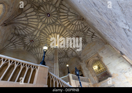 16th century staircase and vaulted ceiling leading up to the Great Hall, Christ Church, Oxford, UK - Stock Photo
