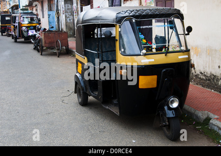 Tut-tuk - Auto rickshaw taxi in Kerala - Stock Photo