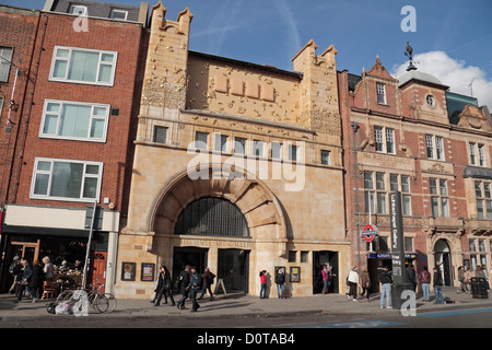The Whitechapel Gallery, a public art gallery on the north side of Whitechapel High Street, London, UK. - Stock Photo
