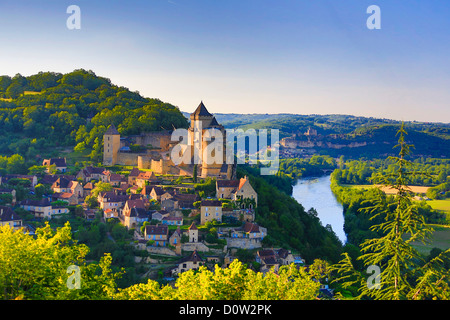 France, Europe, travel, Dordogne, Castelnaud, Milandes, Castle, architecture, medieval, skyline, steep, rocks, tower, - Stock Photo
