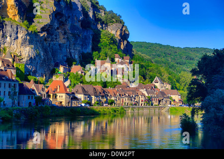 France, Europe, travel, Dordogne, La Roque Gageac, River, architecture, medieval, reflection, traditional, valley, - Stock Photo