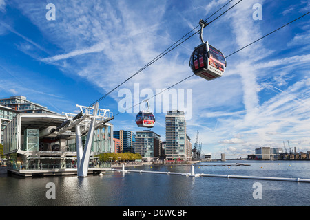 Air line emirates cable car, London, England - Stock Photo