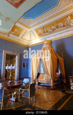 'The Bedroom of Francis II'. The room furnished with a four poster bed, chest of drawers and table, Royal Palace - Stock Photo