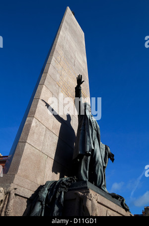 The ( Charles Stewart ) Parnell Monument, designed by sculptor Augustus Saint Gaudens, O'Connell Street, Dublin, - Stock Photo