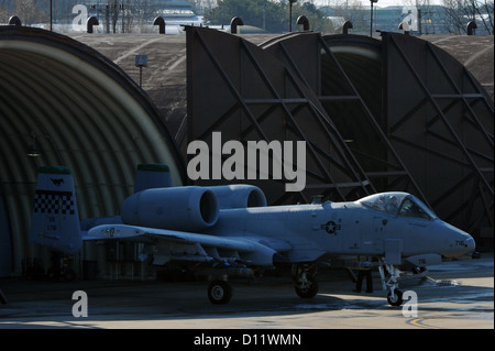 A pilot prepares for take-off in an A-10 Thunderbolt II at Osan Air Base, Republic of Korea, Dec. 4, 2012. This - Stock Photo