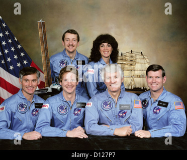 NASA Space Shuttle Discovery STS51-D crew members portrait. Front row left to right: Richard M. Mullane, Steven - Stock Photo