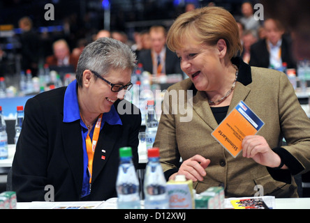 German Chancellor Angela Merkel talks to the Federal Chairwoman of the Union Verdi Elke Hannack at the 25th Federal - Stock Photo