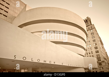 Solomon R Guggenheim Musuem, Manhattan, New York - Stock Photo