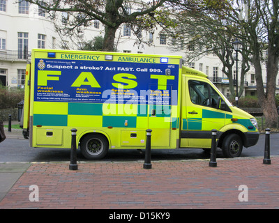 Sussex Ambulance Service Paramedic Unit attending an emergency in Worthing town centre shopping are West Sussex - Stock Photo